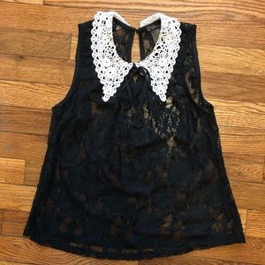Lacy sleeveless blouse, crocheted Peter Pan collar